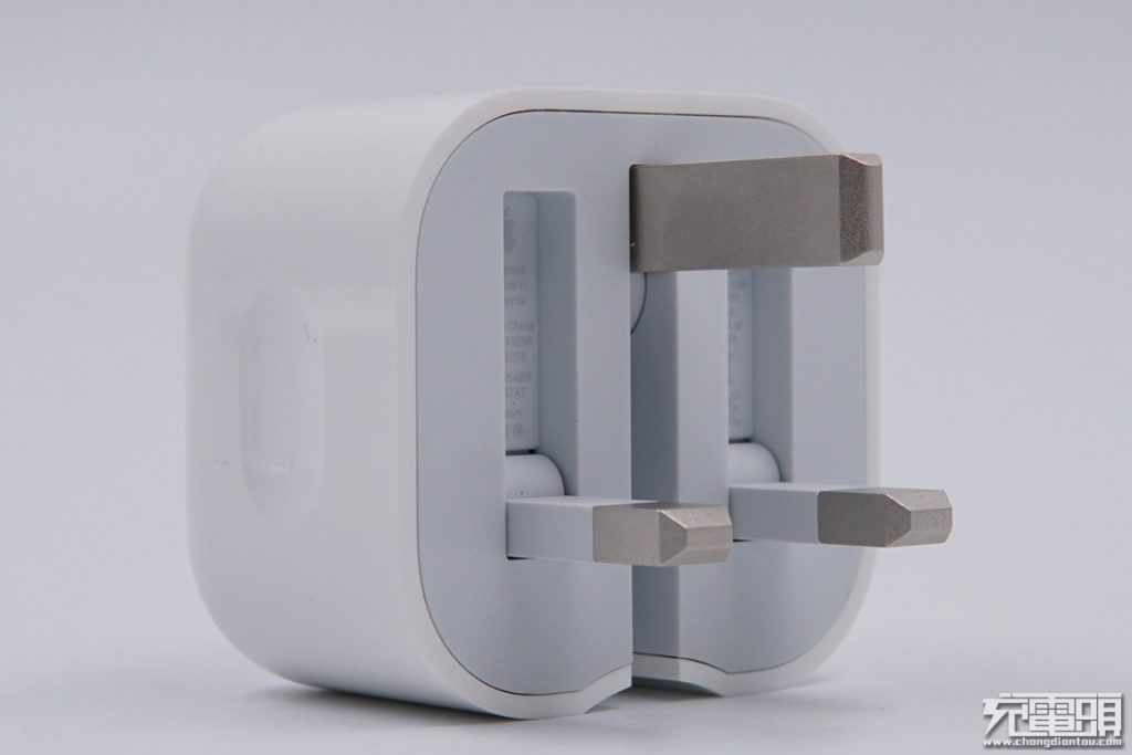 Apple 18W USB-C Power Adapter with Folding Pins Teardown Review: Genius Engineering-Chargerlab