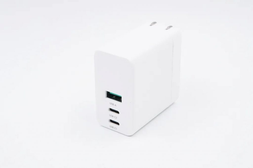 AMC latest 90W GaN charger can juice your MacBook Pro and iPhone at the same time-Chargerlab